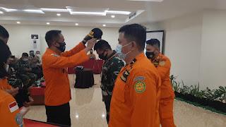 Basarnas Manado Tingkatkan Kemampuan Personil Melalui Latihan Man Over Board
