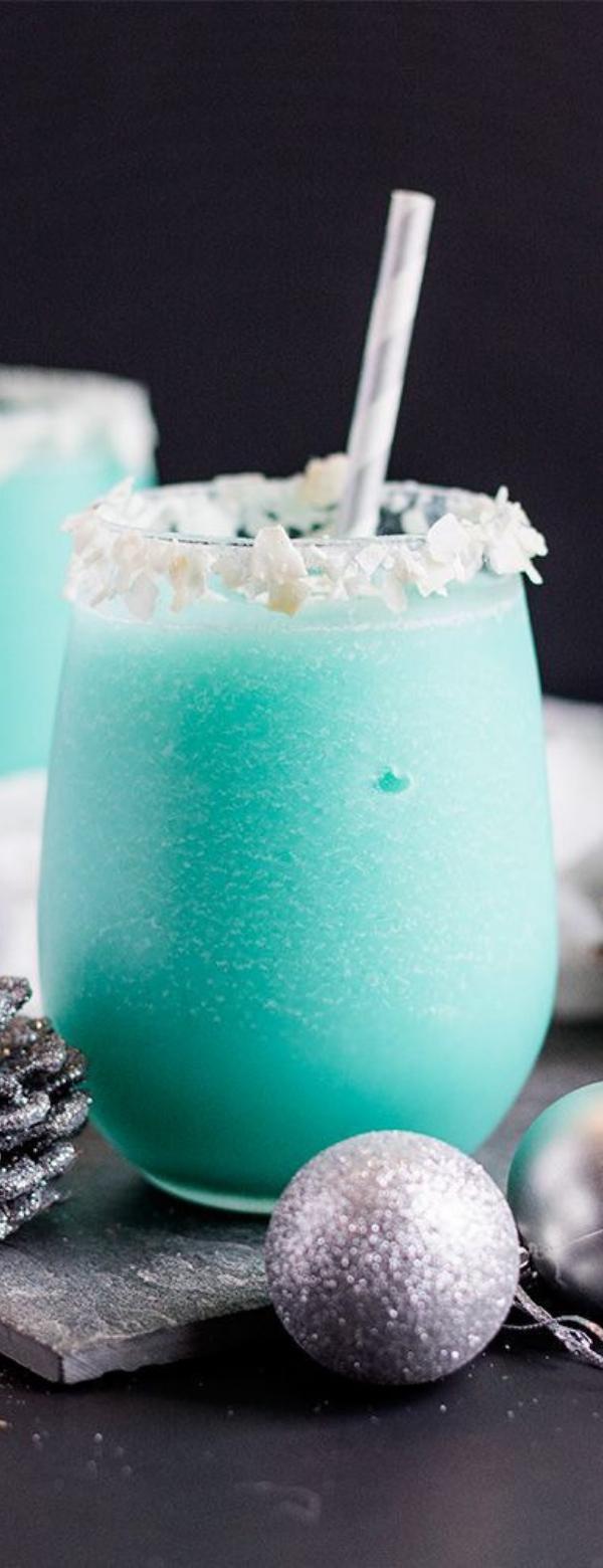 Blue Coconut Cocktail #COCKTAIL #FRESHDRINK