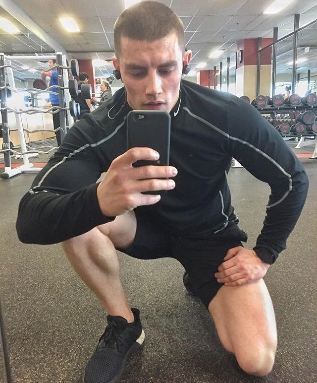 sexy-bad-boys-masculine-puertorican-gay-gym-stud-selfie
