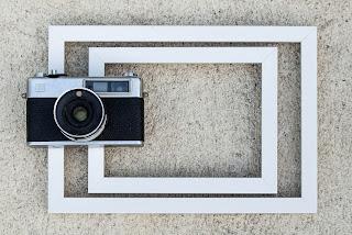 Cámara de fotos y marcos