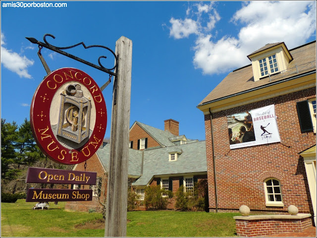 Exteriores del Museo de Concord, Massachusetts