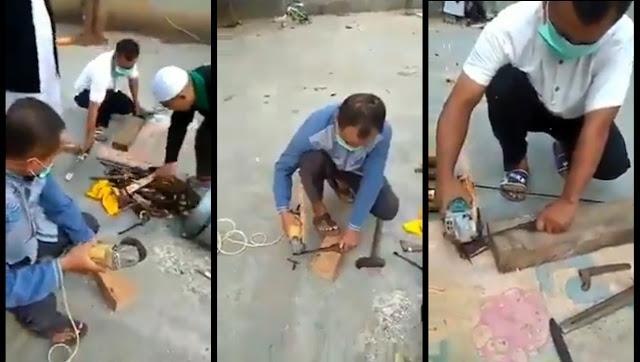 Sekelompok Pria Potong Keris yang Dianggap Sakti, Videonya Viral