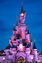 Feels Visit Disneyland Time