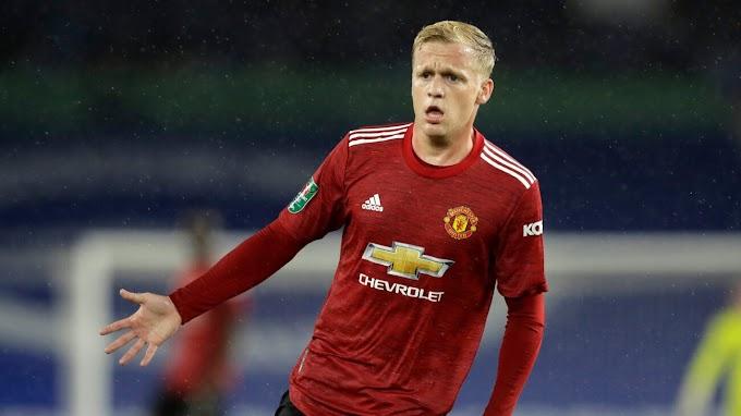 Carabao Cup: Van De Beek Told To Pack His Bags, Leave Man Utd (See Why)