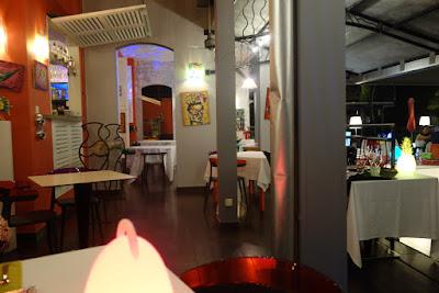 Salle du restaurant Le Zandoli, blog Délices à Paris.
