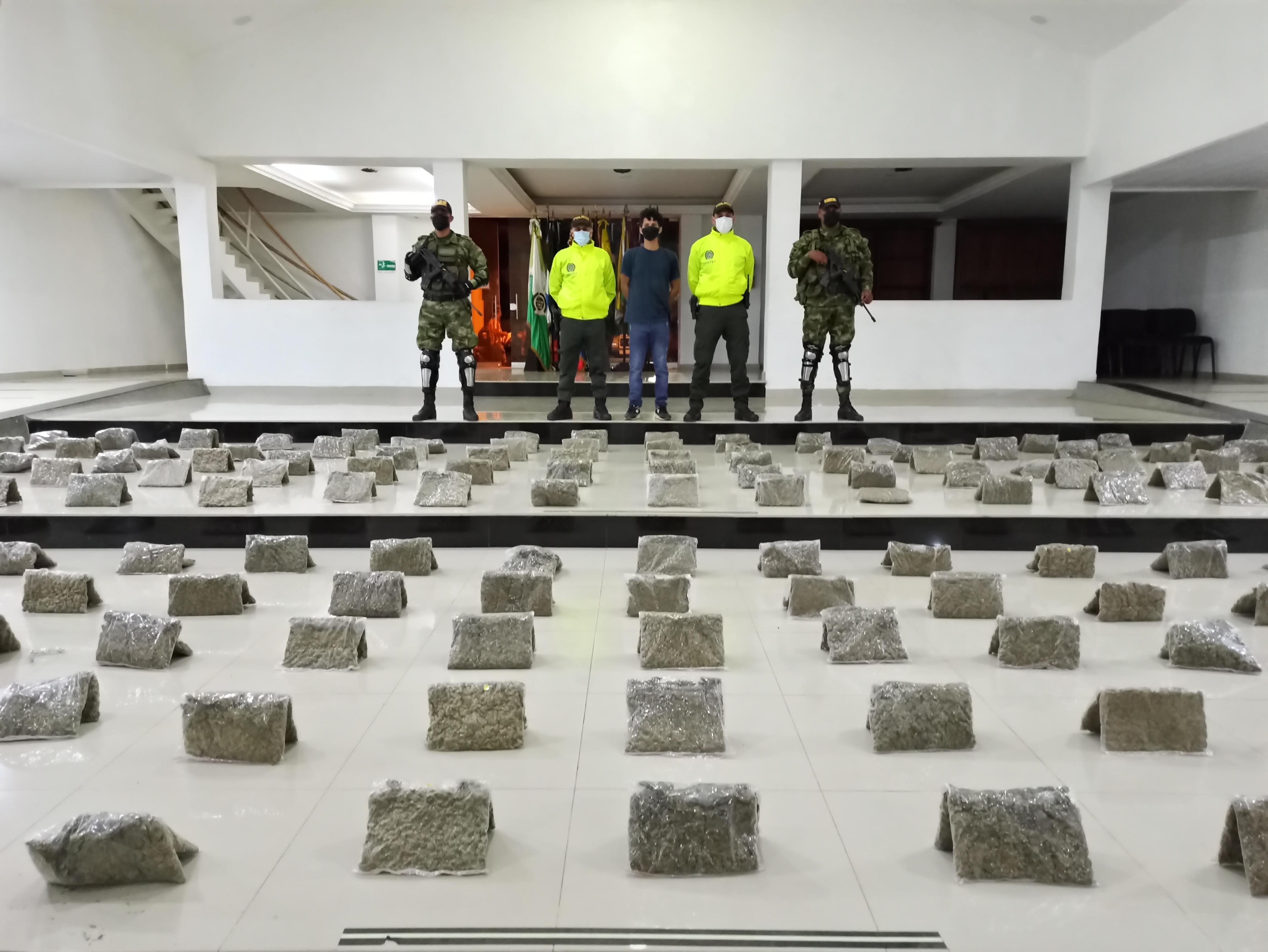 hoyennoticia.com, Lo pillaron con 129 kilos de marihuana