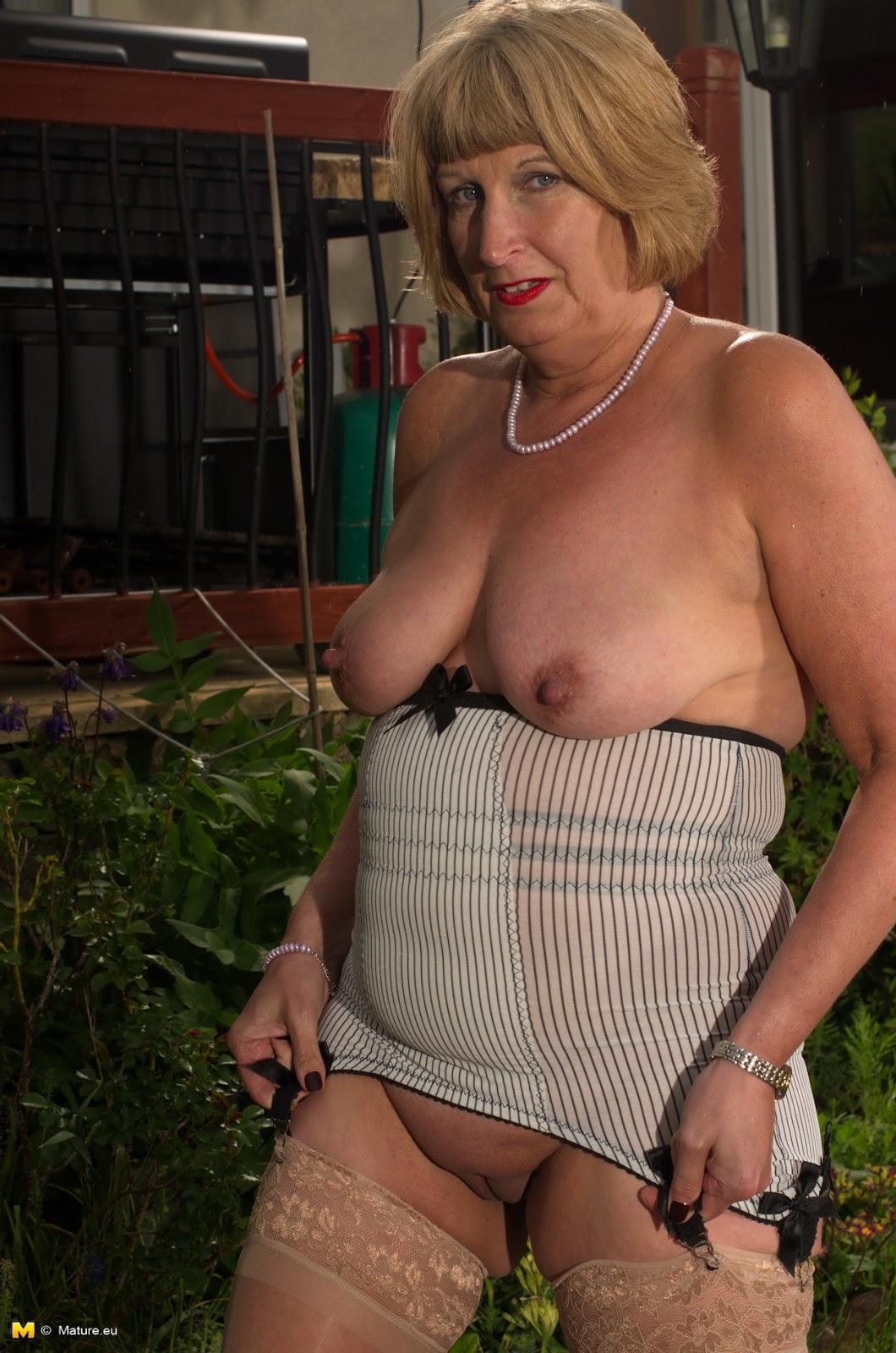 Mature Women Rosemarie 88