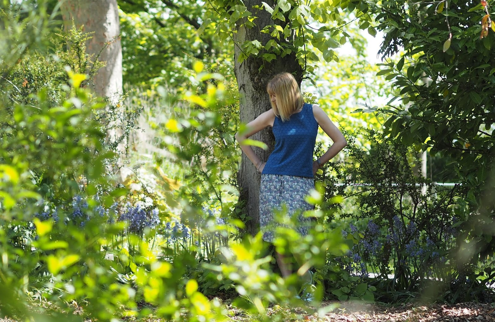 What-Lizzy-Loves- blue-broderie-shell-top-floral-skirt-silver-Superga-sneakers-pumps-in-bluebell-wood