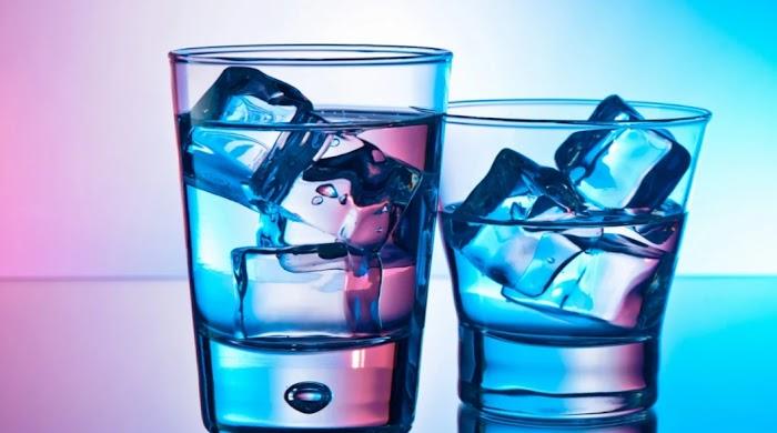 Простой стакан воды может исполнить ваше желание за месяц: техника обряда