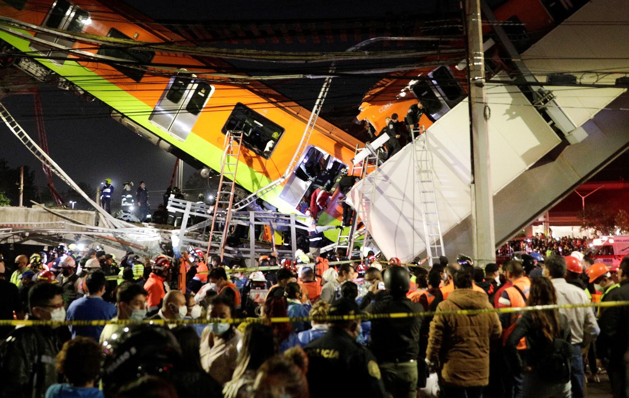 Tragedia en México: al menos 23 muertos y más de 70 heridos por el desplome de un puente cuando pasaba el metro