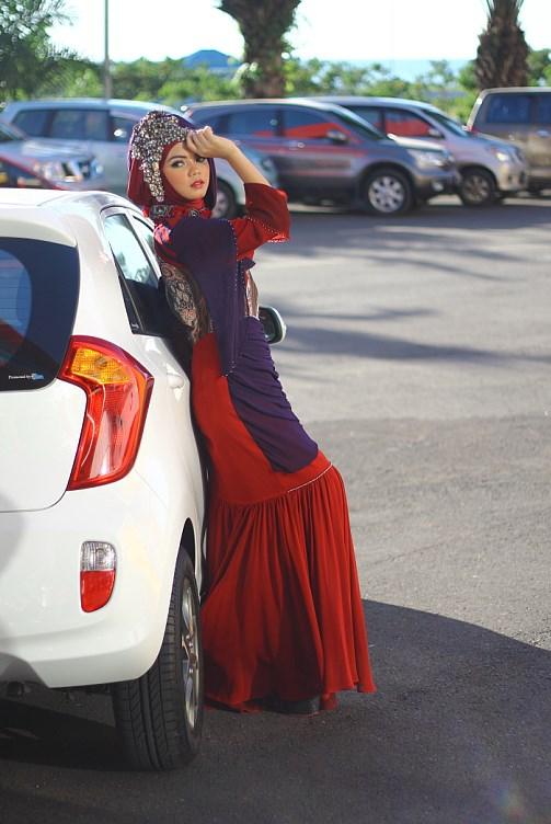 cara memakai jilbab hijaber fotografi di mobil cekwek di trans makassar
