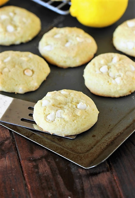 Lemon White Chocolate Chip Cookies ~ a tasty lemon-laced twist to your typical chocolate chip cookies!