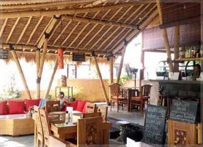 gambar desain cafe sederhana tradisional