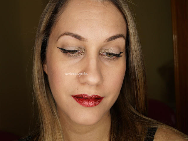delineado labios rojos glitter