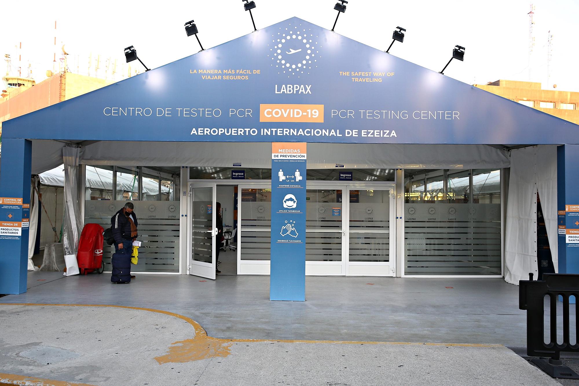 Polémica y presuntas irregularidades con los hisopados de Ezeiza