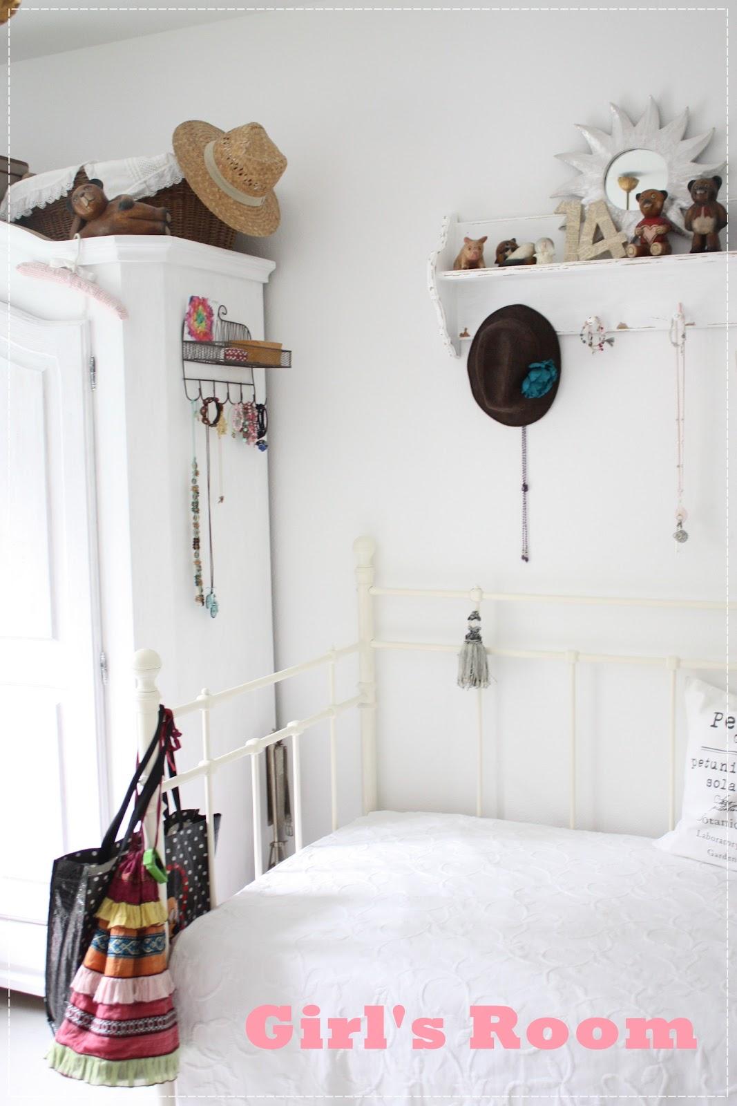 qunst und qrempel nostalgie im kinderzimmer. Black Bedroom Furniture Sets. Home Design Ideas