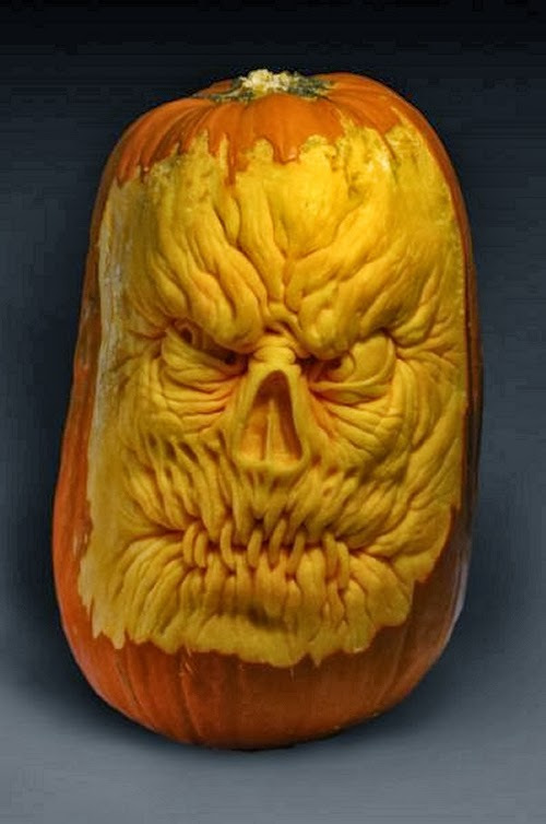 04-Halloween-The-Pumpkins-Villafane-Studios-Ray-Villafane-Sculpting-www-designstack-co