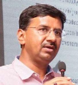 इंदौर के कलेक्टर बने  आईएएस अधिकारी मनीष सिंह
