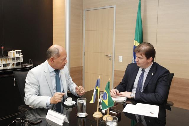 Coronel Chrisóstomo debate principais demandas de Rondônia com o ministro do Desenvolvimento Regional