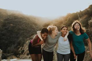 Quatre femmes sur une montagne