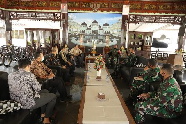 Bahas Perkembangan Ekonomi bersama BI Aceh, Ini Kata Pangdam IM