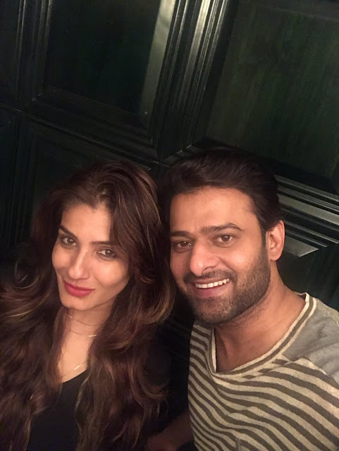 Raveena Tandon Shared Selfie With Prabhas