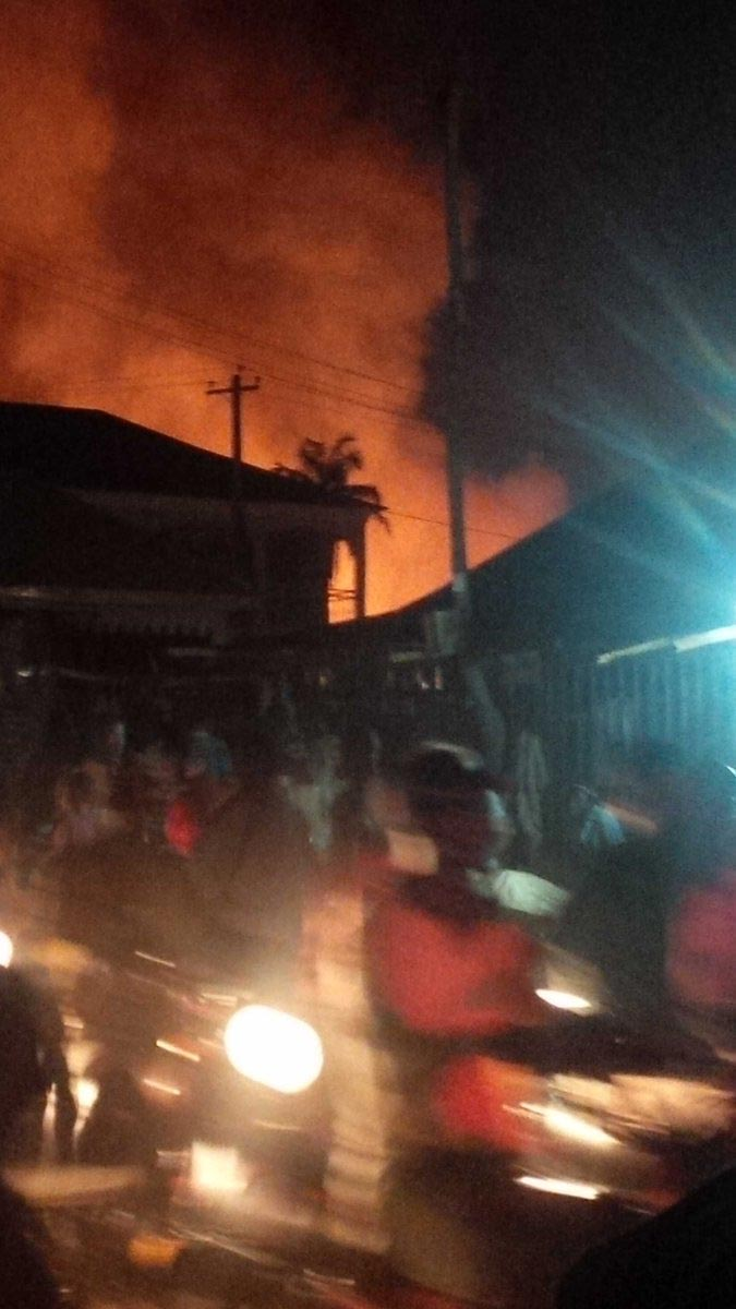 Fire destroys razes Mararaba Main Market in Nasarawa