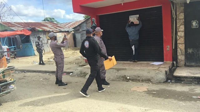 Autoridades cierran 3 negocios de bebidas alcohólicas y una cafetería en Los Alcarrizos