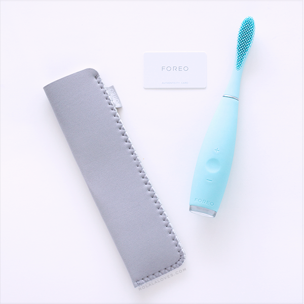 Foreo Issa Review, Silicone toothbrush