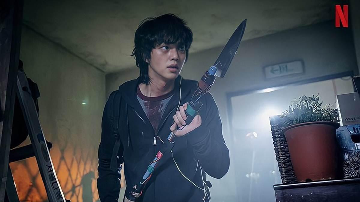 totalitas Song Kang sebagai Hyun Soo