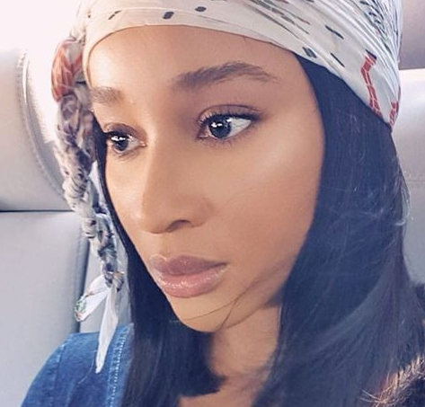 adesua-etomi-biography-adesua-is-a-popular-Nigerian-actress-who-is-so-much-talented-and-delivering-her-acting-skills-to-the-fullest