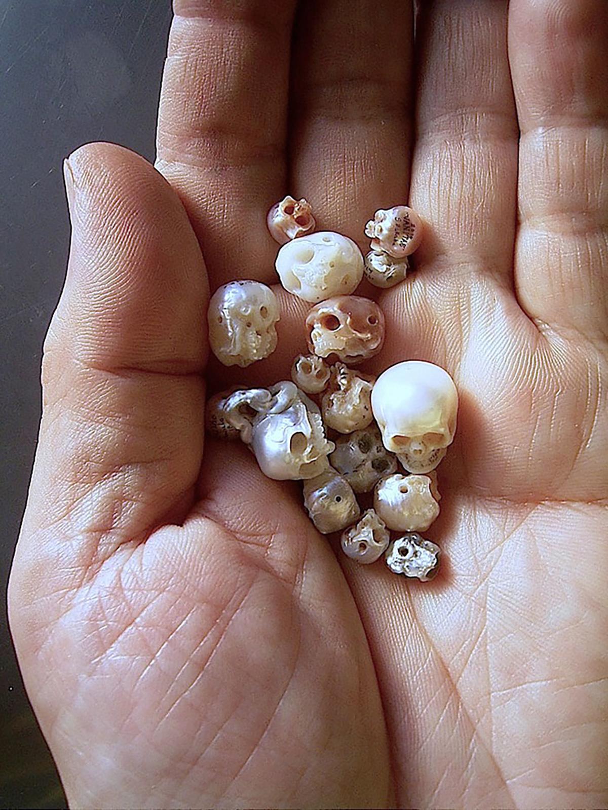 Pearl, Skull