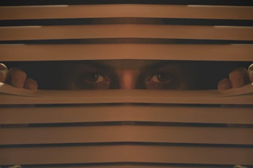 Вышел трейлер социального хоррора «Карен» про сумасшедшую соседку