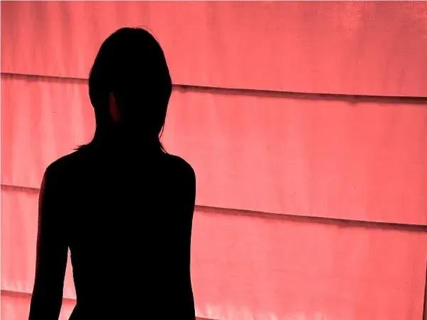 അമ്മാവന്റെ പീഡനത്തിനിരയായി ഗര്ഭം ധരിച്ച ഭാര്യയെ സ്വീകരിക്കാന് തയ്യാറല്ലെന്ന് യുവാവ്; എന്തുചെയ്യണമെന്നറിയാതെ വഴിയാധാരമായി 8 മാസം ഗര്ഭിണിയായ 20കാരി
