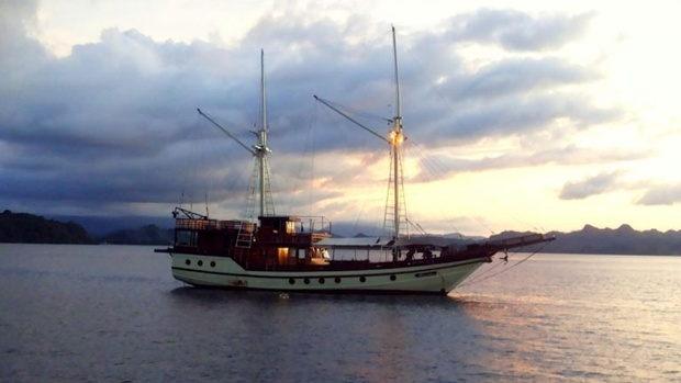 Kapal ke Pulau Komodo
