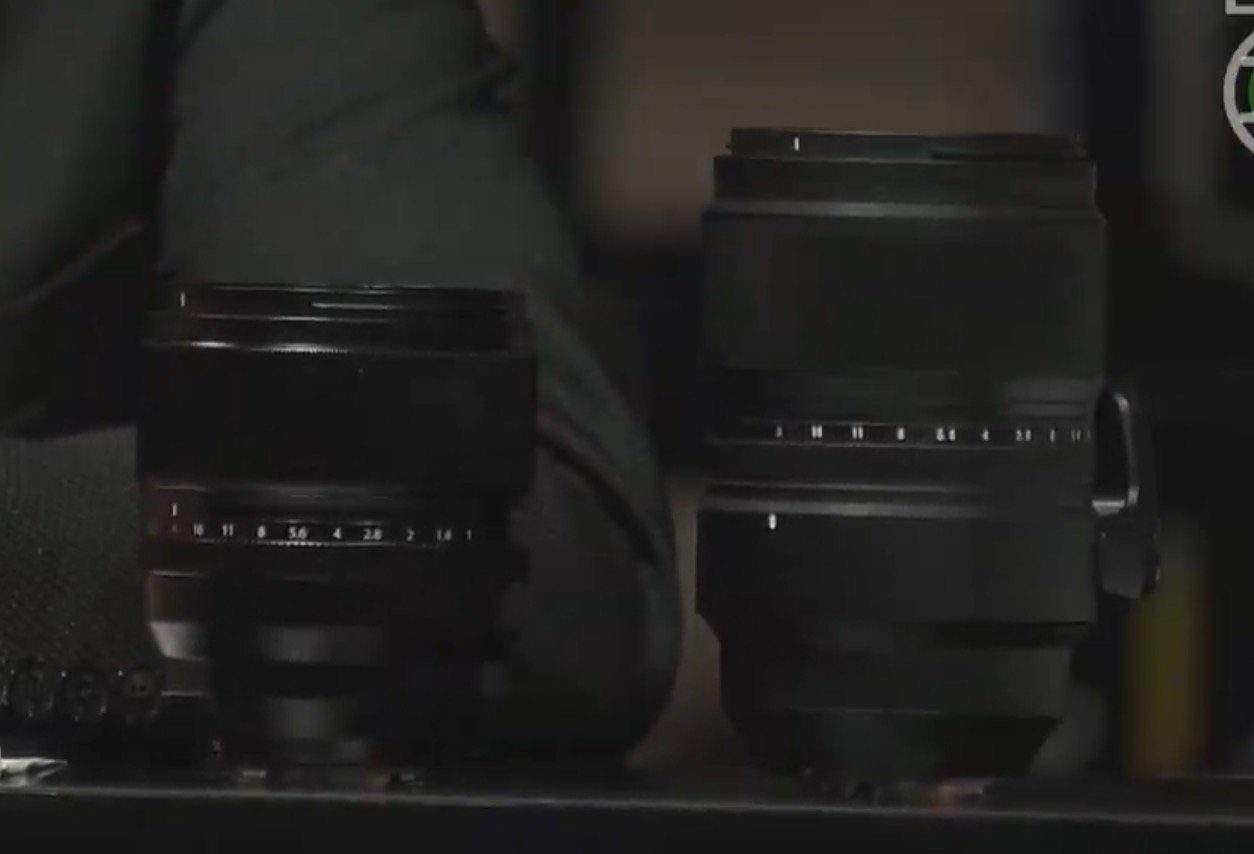 Объектив Fujinon XF 50mm f/1.0 меньше, чем XF 33mm f/1.0
