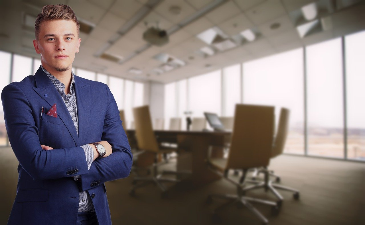 CEO : Pengertian, Tugas, Dan Tanggung Jawab