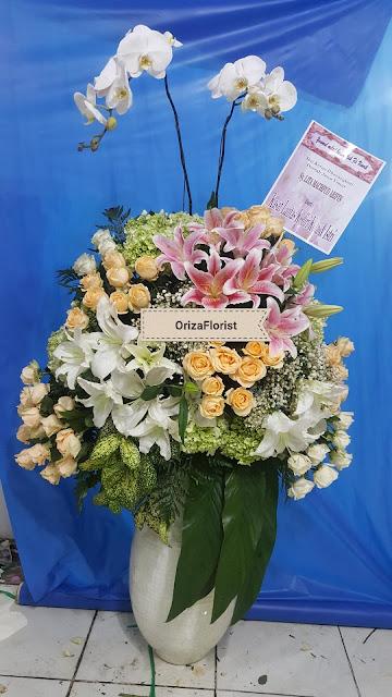 buket bunga surabaya murah, harga buket bunga surabaya, hand bouquet murah di surabaya