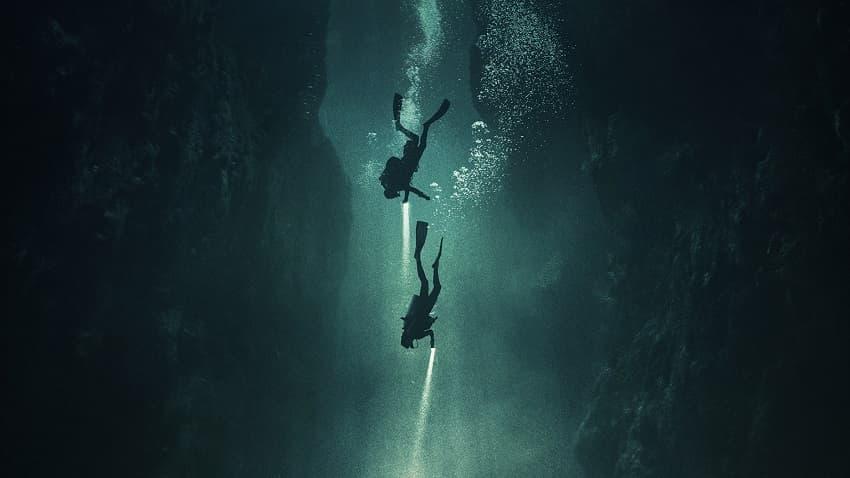 Первые кадры подводного хоррора The Deep House про блогеров и маньяка