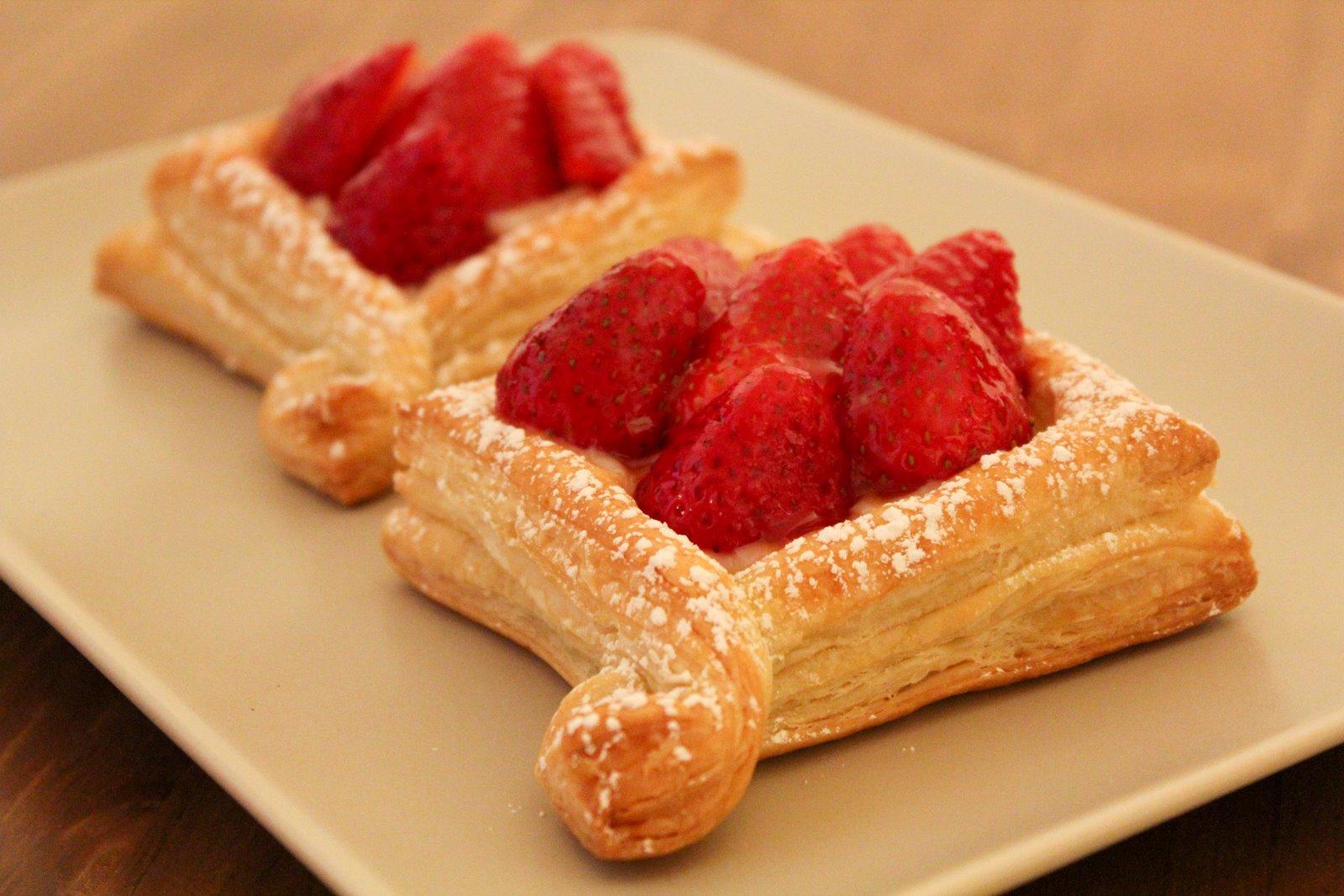 Cest Sucr233 Strawberry pastry cream tarts