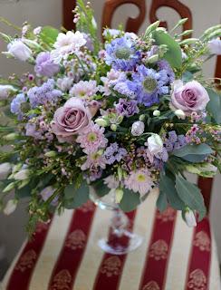 композиции на стол в сиреневом цвете