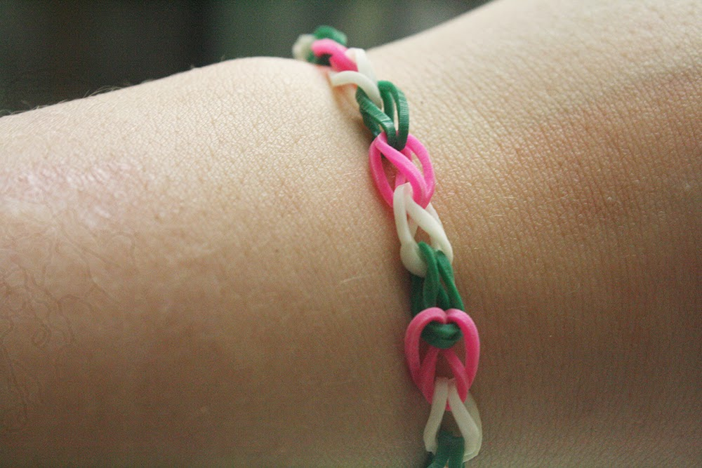 Loom Band By Hand