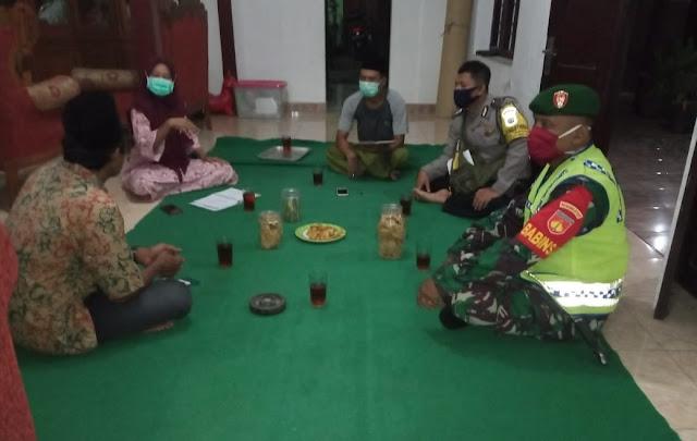 Babinsa Koramil 02 Jogonalan Bersama Bhabinkamtibmas Anjangsana Di wilayah Binaan
