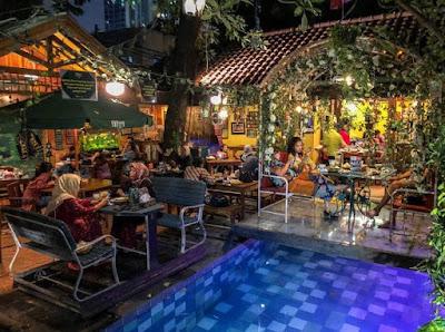 Rumah Makan Ber Nuansa Alam di Jakarta