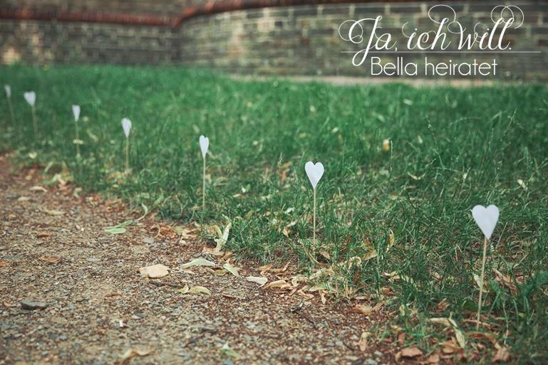 Hochzeitsdeko Herz weiß Weg