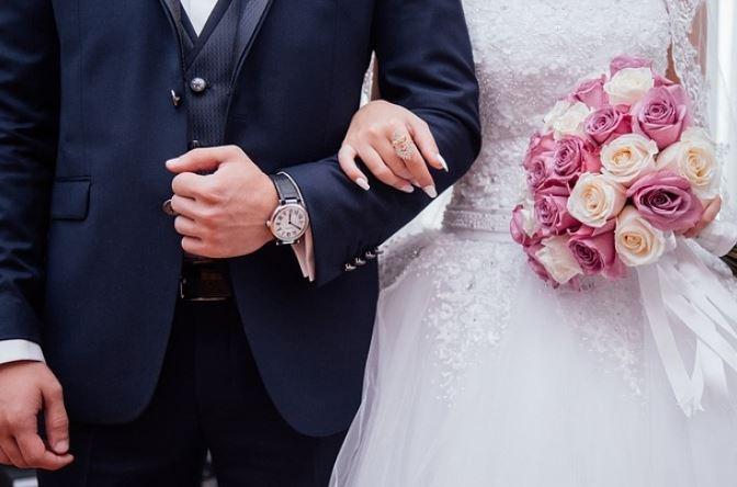 Noiva descobre traição e desmascara futuro marido no altar