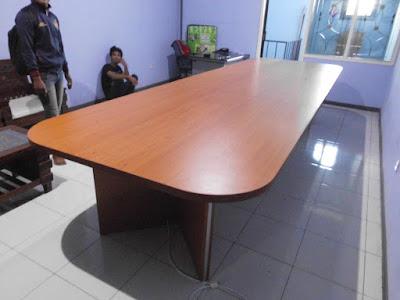 Meja Rapat Kantor Ukuran Besar + Furniture Semarang