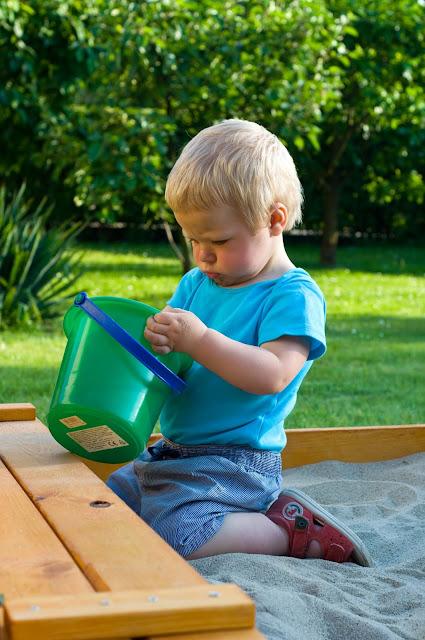 jak zabawić roczne dziecko?
