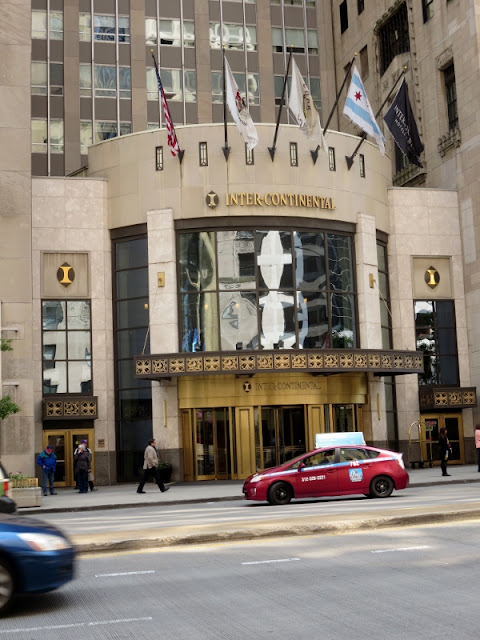 Here is exactly why the #beautiful & #historic InterContinental Chicago Magnificant Mile Hotel is THE hotel you want to stay at when traveling to #Chicago! #MagnificentMile #travel