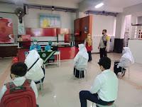 Bhabinkamtibmas Semaki Pantau Vaksinasi Siswa SMP Muhammadiyah 2 Yogyakarta